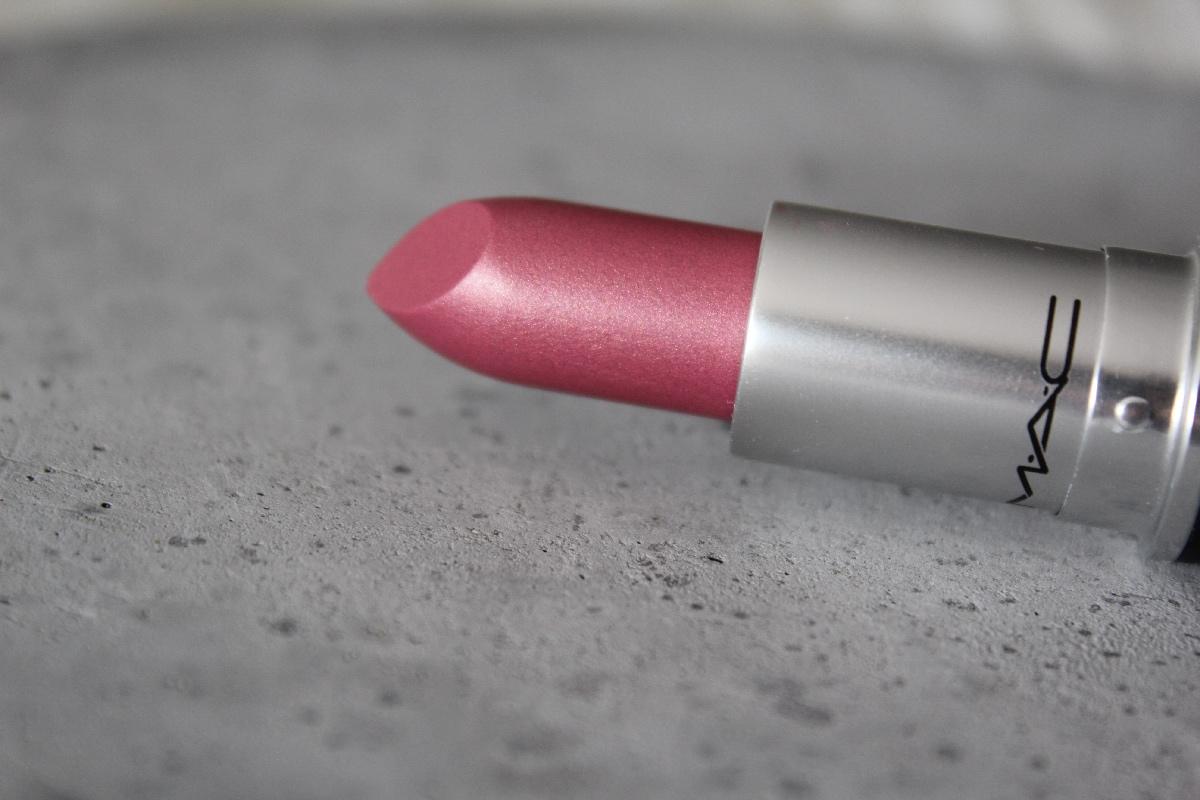 mac - creme de la femme lipstick review