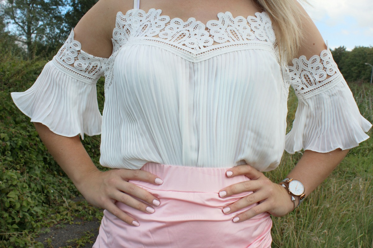 OUTFIT ➸ White floral & Pink pastel