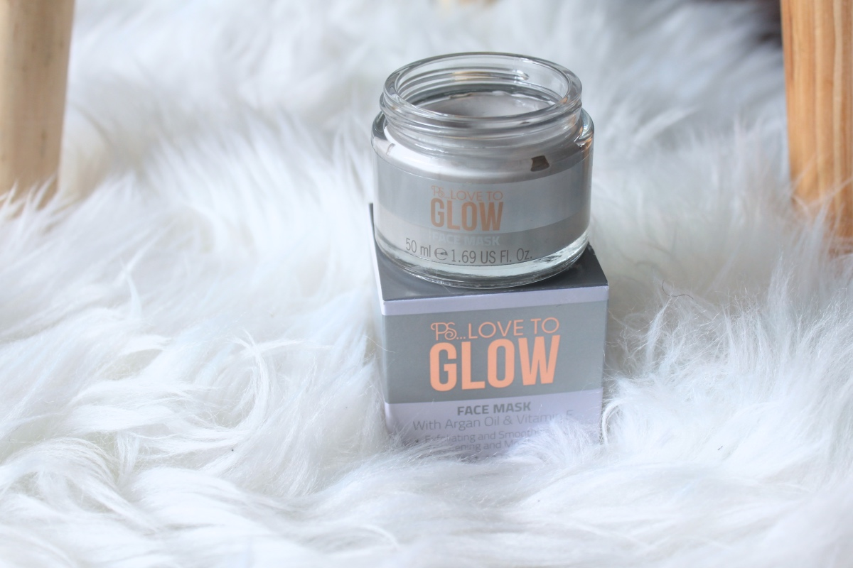 Love to glow face mask