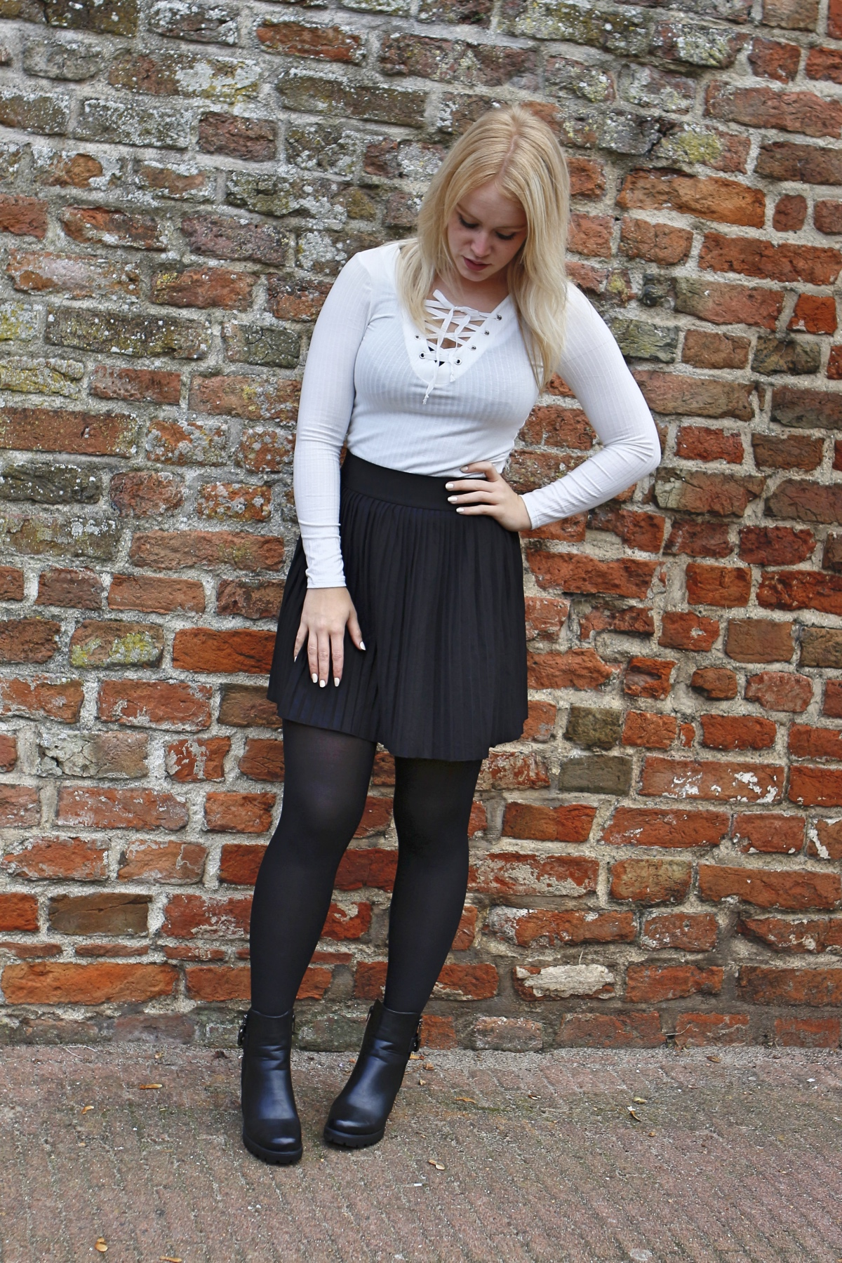 outfit skirt lace up