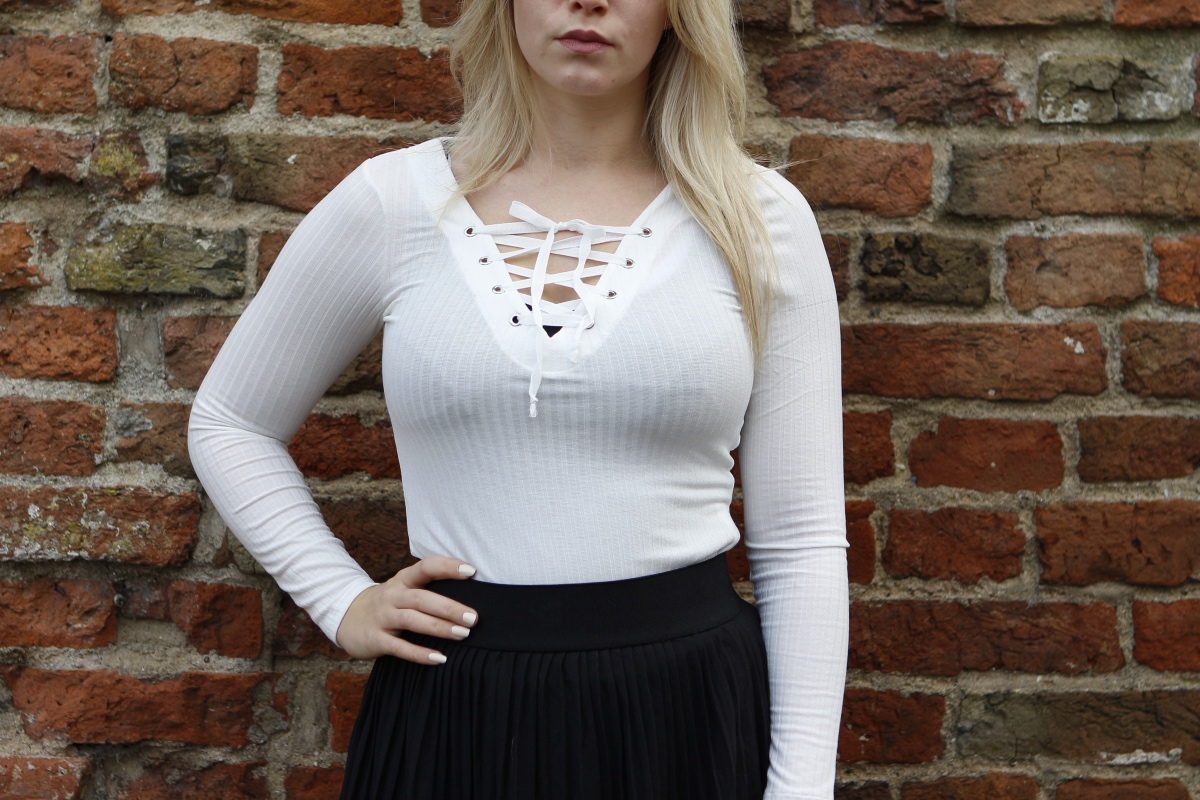 hm top lace up white
