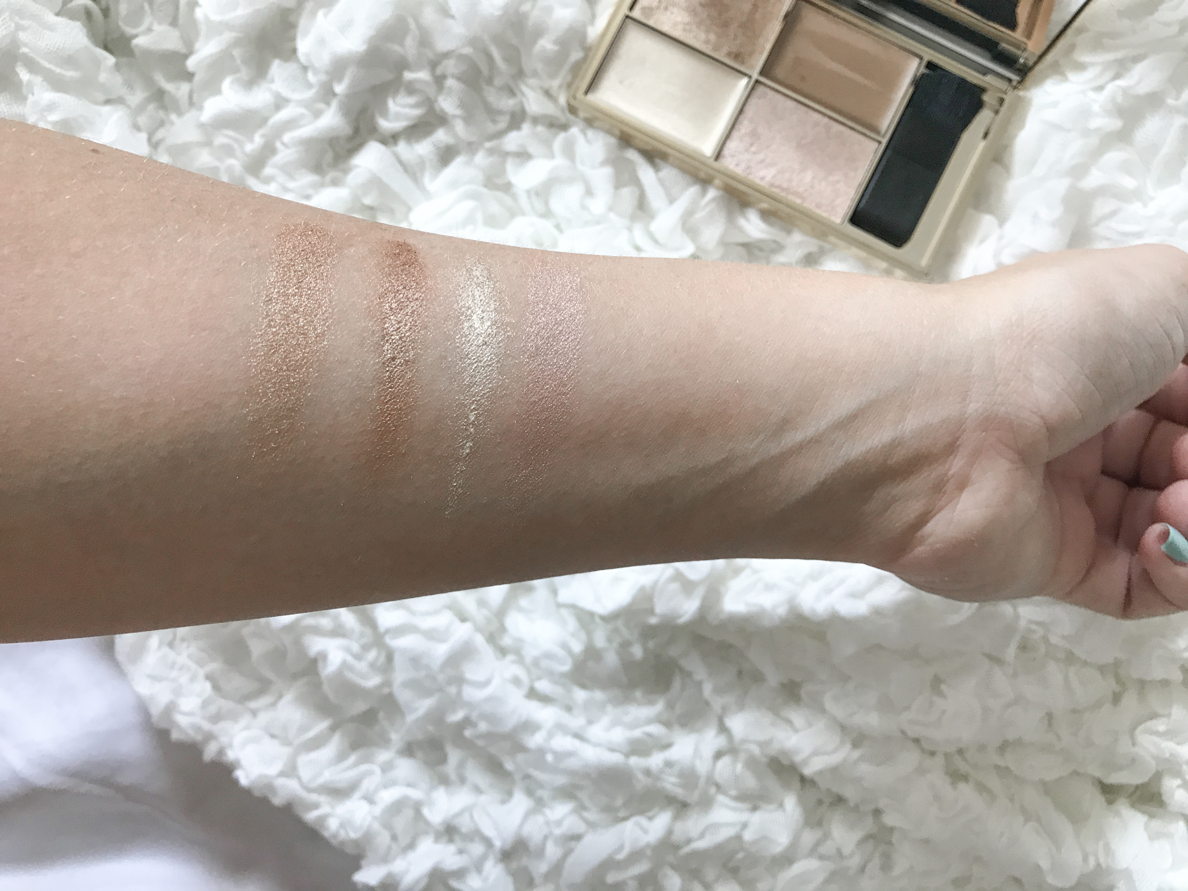swatches cleopatra's kiss sleek