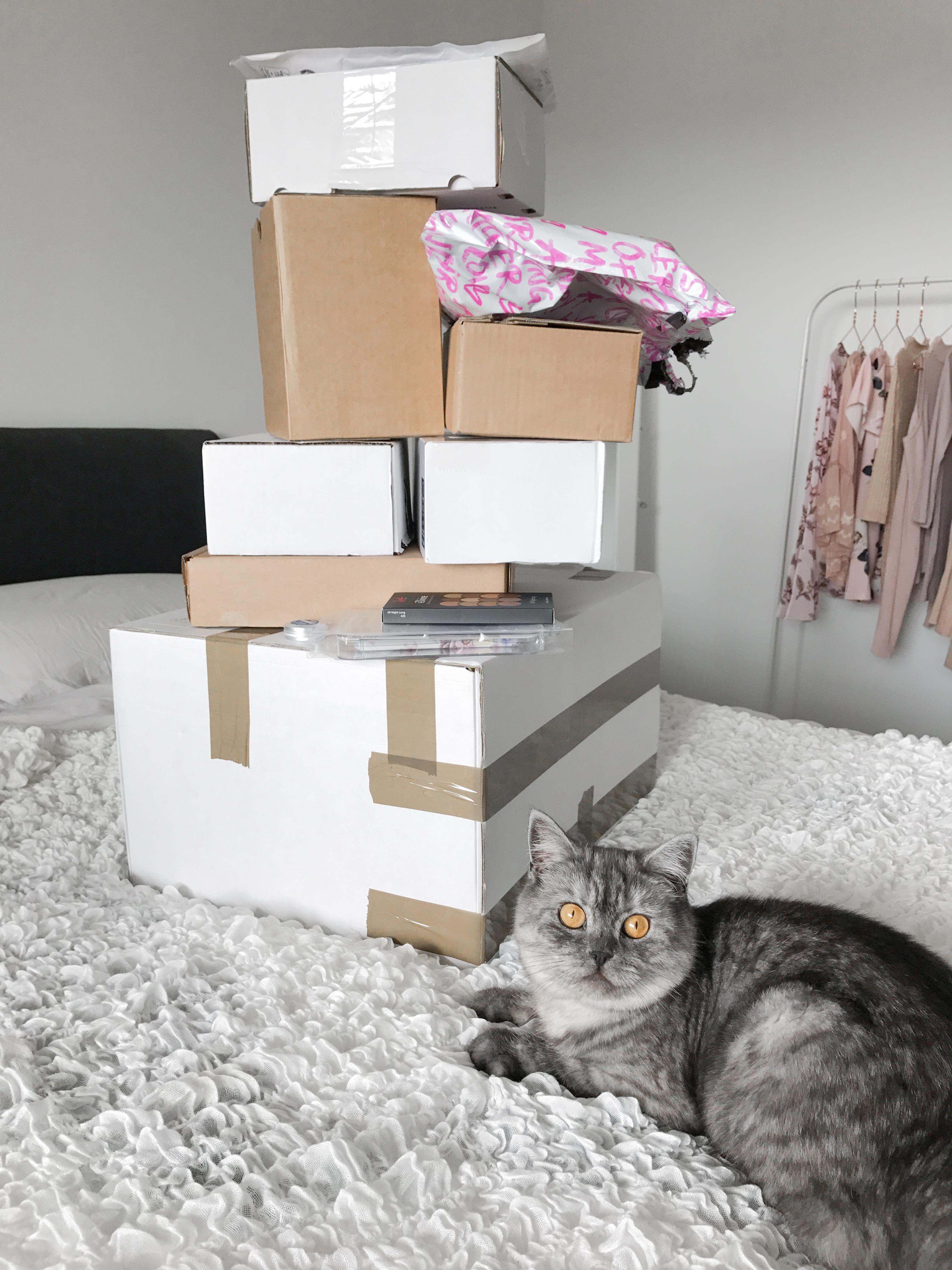 Unboxing van een heleboel pakketjes