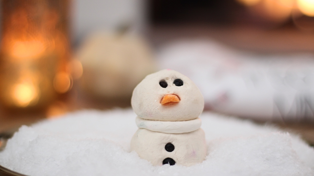 the snowman bubblebar lush review